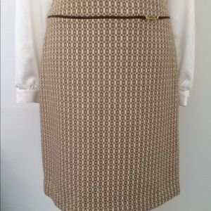 Banana Republic tan & ivory skirt